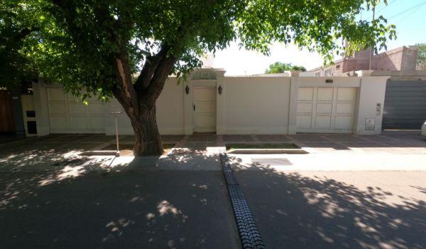 Los Fresnos 3135 Barrio Parque