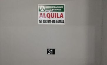 A Y M - ALQUILA - COCHERAS -  A. DEL VALLE 3984