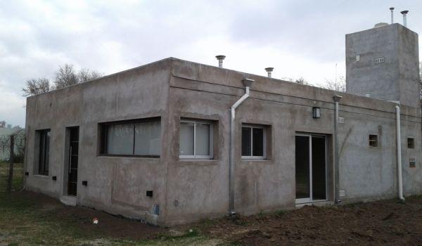 Casa Nueva a Estrenar MUY LINDA, 915 M2 de Terreno con detalles  exteriores a terminar