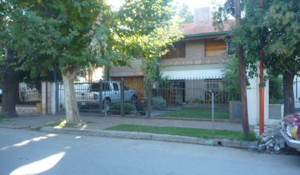 Una de las mejores casas del Bº A. Brown